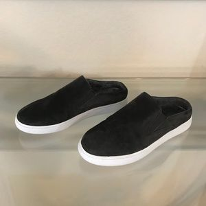 """""""NEW"""" VINCE VERRELL SUEDE OPEN-BACK SKATE SNEAKERS"""